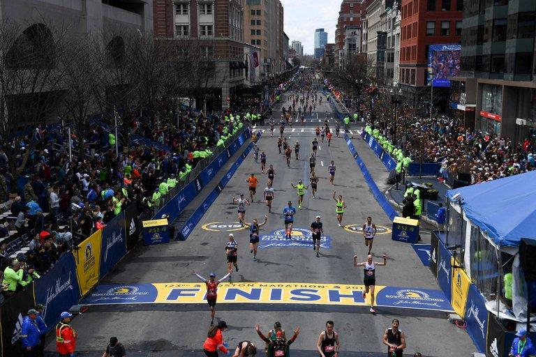 Las carreras son el gran objetivo de los corredores. Es la manera más desafiante pero a la vez más sencilla de armarse mentalmente para alcanzar una meta (Reuters)